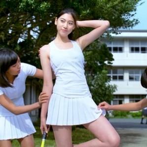 三吉彩花脚3